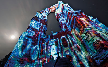 Philipp Geist: Live Projection Mapping Installation